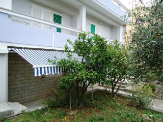 Apartment Boro for 3 with terrace - 86248, Novalja