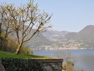 Posto del Cuore on the lake between Bellagio and Como