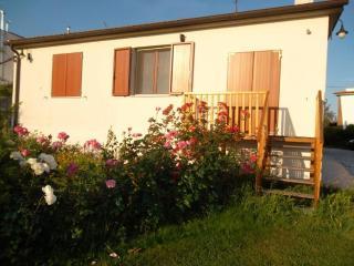 Graziosa casa con giardino a partire da 280 €, Livorno