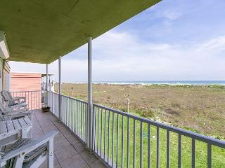 3BR/2.5BA Stunning Penthouse Port Aransas Direct Ocean Views, Sleeps 8