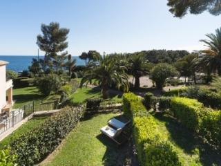Ochestra 33498 semi detached villa, airconditioning, shared pool, sea at 50 mtr., Les Issambres