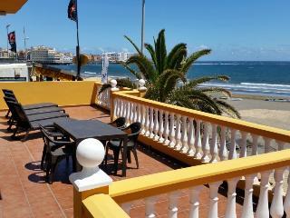Casa con terraza en primera línea playa del Medano