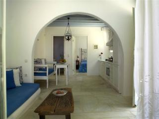 Cute stone  villa  with sea view and private pool, Mykonos Town