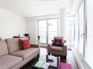 Bright & Quiet Canary Wharf 1 bedroom Apt