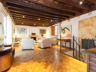 Ground  floor duplex apartment, best old town, Palma de Mallorca