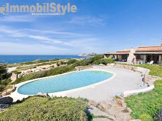 Villa Baia 40 with swimming pool, Santa Teresa di Gallura