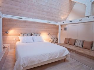 The Manor House Apartment - sleeps 4