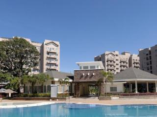 2 BEDROOMS UNIT RESORT CONDO NEAR AIRPORT