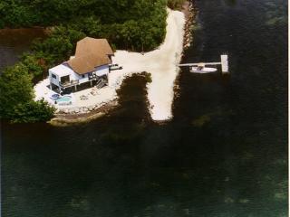 bayside waterfront single family house, Marathon