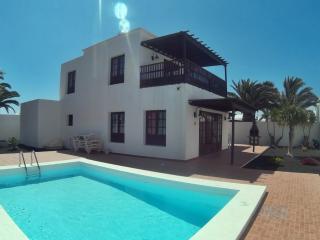 Casa Cathaisa - piscina y jardin privado, Costa Teguise