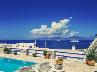 Villa with sunset views and private pool, Ornos