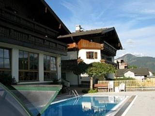 Large Apartment With Stunning Views, Kaprun