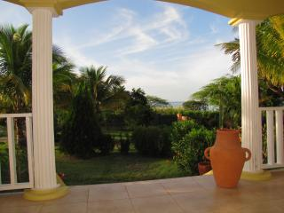 Sea Breeze Villa, Treasure Beach