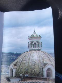 Cúpula de la época de La Colonia, Capilla Museo  de La Ciudad Quito, con mi iPhone