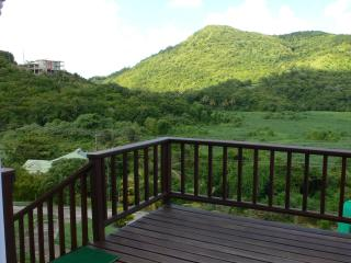 Large Apt. near the beach, Gros Islet