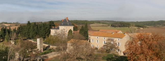Vue panoramique du Domaine de La Vernède et de la nature environnante