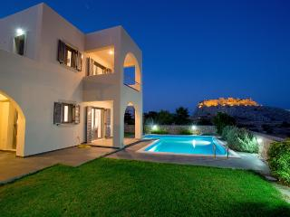 Modern Villa with private pool and sea view, Haraki