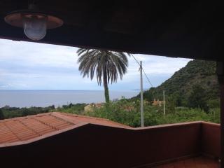 Le case di Nina - Ampio terrazzo vista mare