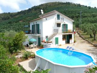 FARMHOUSE APARTMENTS NEAR ITRI  SPERLONGA BEACHES, Sperlonga