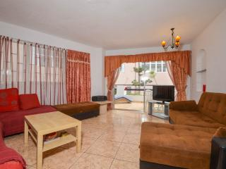 2 bed apartment 5 mins walk to beach at villamar, Tenerife