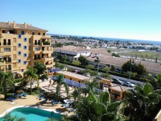 Beach Penthouse Superb Views 5 Mins Town & Beach, San Pedro de Alcántara