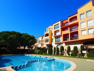 Apart-rent (0104) Apartamento cerca de la playa con solarium & piscina