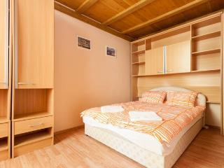 2nd Floor Apartment - downtown, free WIFI, Budapest