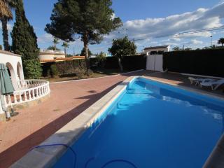Bonito dormitorio 3 grande / casa con piscina privada Jardín, Torrevieja