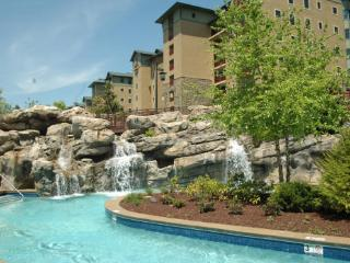 Riverstone condo 2 bedroom located in 3rd blding, Pigeon Forge
