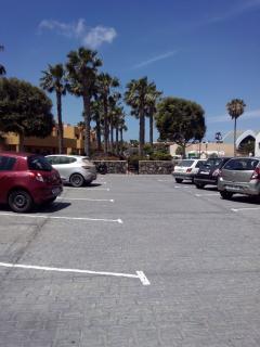 Near Parking - easy unloading spending, sports equipment