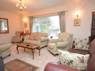 29370 Bungalow in New Forest N, Verwood