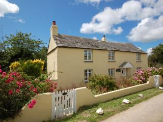 BROKF Cottage situated in Newquay (6mls E)