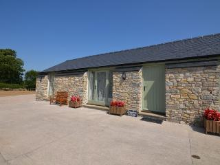 SBDRO Barn situated in Cowbridge (3 mls SW)