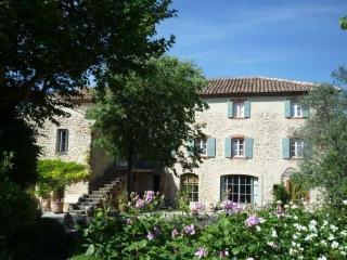 Fully renovated mill villa, Sablet