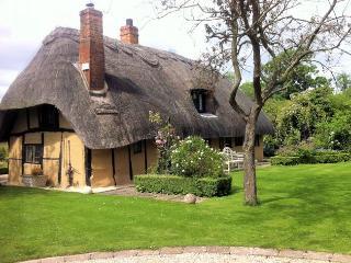 THETH Cottage in Bicester Vill, Shabbington