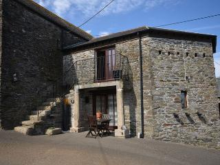 TRERO Barn situated in Looe (7mls N)