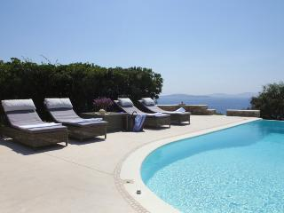 Villa with magnificent sunset views & private pool, Mykonos