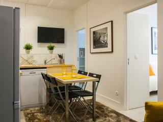 HolidayLovers Chiado Fado Superior 3 BR Apartment