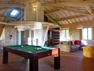 Magazzini a rural loft in a historic villa surrond