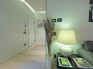 Adorable Flat in the Heart of Old Town Florence