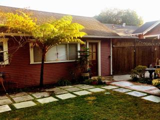 Backyard Bungalow in Bamboo Garden, Long Beach