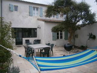 TOP quality home for 6/7 near sea/shops serv. incl, Saint Clement des Baleines