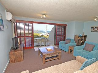 Unit 2, Biriny Lodge, 1686-1689 David Low Way Coolum Beach, 200 BOND