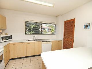 Unit 2, Cooltoro Court, 7 Frank Street Coolum Beach, $400 BOND
