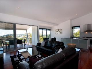 224 Centenary Heights Road Coolum Beach, $500 BOND