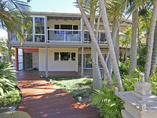 41 Second Avenue, Coolum Beach - Pet Friendly, 500 BOND