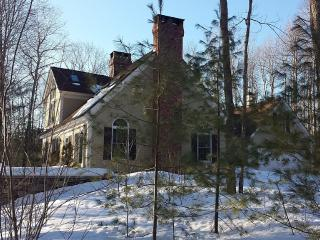 Beautiful Waterfront Year Round Home, Brownfield