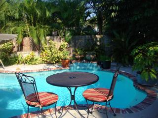 Gull Reef Poolside Guest Cottage, St. Pete Beach