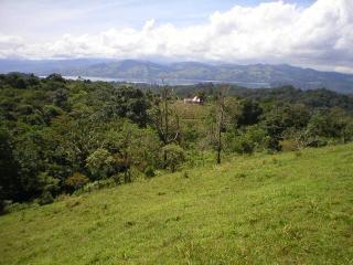 Casa de la Puesta del Sol — Guest House / Cabina, Nuevo Arenal