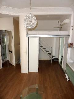 salon avec mezzanine lit double